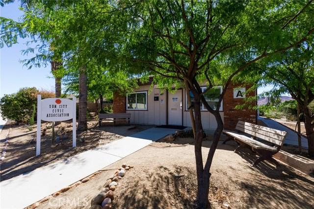 28238 Sun City Boulevard, Sun City CA: http://media.crmls.org/medias/afcfb18f-b0ee-4d9f-9fe2-1766b75cd009.jpg