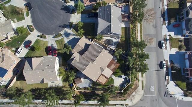 6074 Jepson Court, Fontana CA: http://media.crmls.org/medias/afd0e3c7-48ce-4406-85b3-896946087b8e.jpg