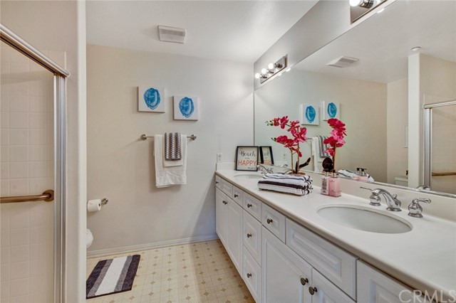 17772 Independence Lane, Fountain Valley CA: http://media.crmls.org/medias/afd5a8ca-6a93-4360-b211-fc021ff8ecb5.jpg