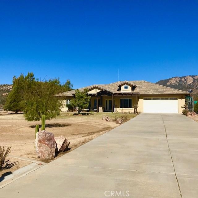 Частный односемейный дом для того Продажа на 49554 Paiute Court 49554 Paiute Court Aguanga, Калифорния 92536 Соединенные Штаты