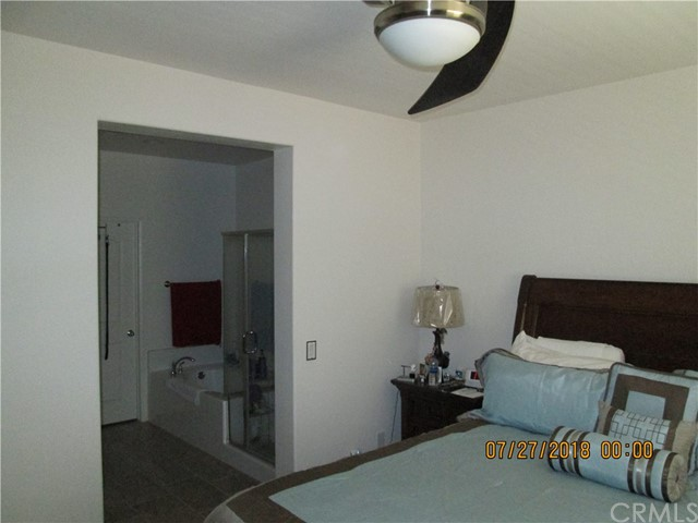 8072 Cresta Bella Road, Rancho Cucamonga CA: http://media.crmls.org/medias/afe38bdf-999a-4695-9c16-716e18c26d1f.jpg