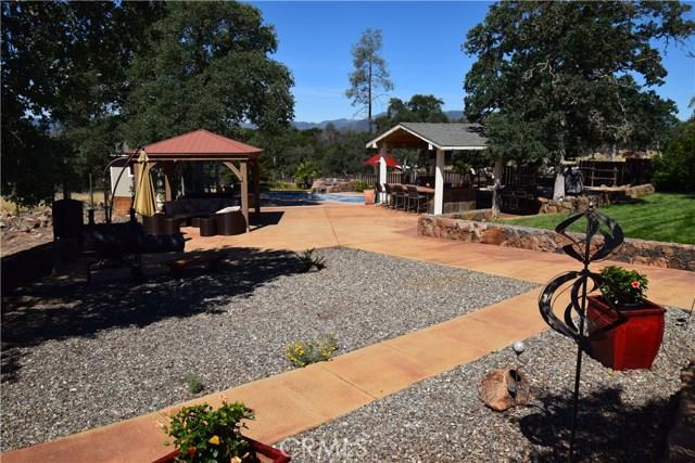 21126 Yankee Valley Road, Hidden Valley Lake CA: http://media.crmls.org/medias/aff68a56-d217-4e13-8c7c-84807b2412d5.jpg