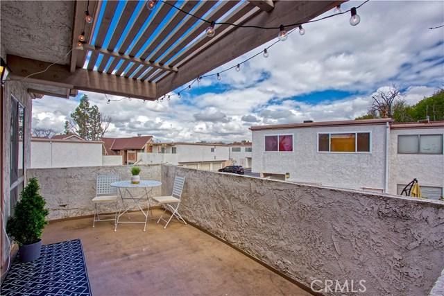 136 Oval Road, Irvine CA: http://media.crmls.org/medias/b000d284-e33f-4c31-86a7-69ba88e53e7a.jpg