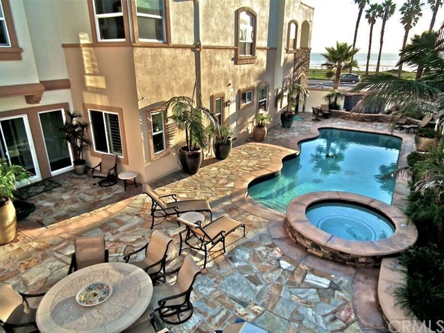 1612 Pacific Coast Huntington Beach, CA 92648 OC17166785