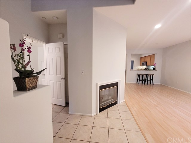 908 Timberwood, Irvine CA: http://media.crmls.org/medias/b0163267-b174-4ed1-9fc8-1367a98a3d23.jpg