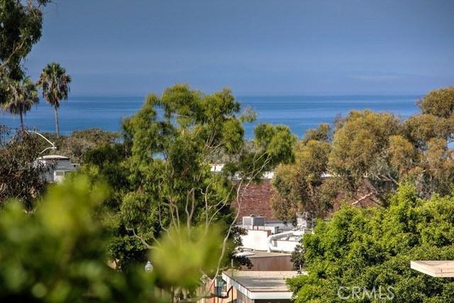412 3rd Street, Laguna Beach CA: http://media.crmls.org/medias/b016ec57-67e4-4b53-aa95-e47349059c10.jpg