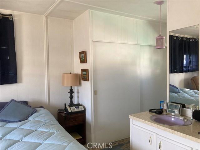 305 N Jade Cove, Long Beach CA: http://media.crmls.org/medias/b01959e9-088a-4b59-b200-9e3206c586d2.jpg
