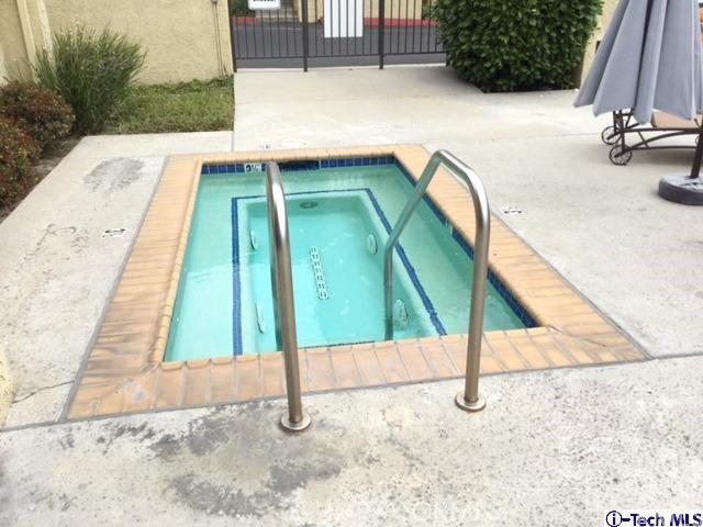 4040 Via Marisol, Los Angeles CA: http://media.crmls.org/medias/b01a4845-9bec-4db8-bed3-da4cd9ea522c.jpg