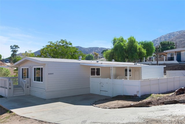 26380 Young Ln, Homeland, CA 92548 Photo