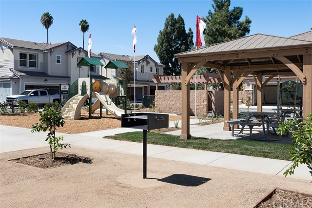 7822 Marbil Lane, Riverside CA: http://media.crmls.org/medias/b031038b-f11a-49c6-9bb3-0d73b229700d.jpg