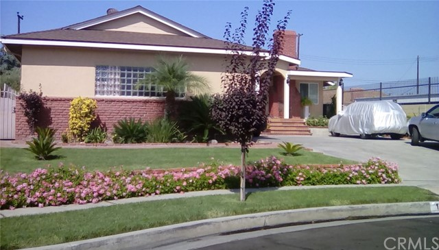 Частный односемейный дом для того Продажа на 17813 Regentview Avenue 17813 Regentview Avenue Bellflower, Калифорния 90706 Соединенные Штаты