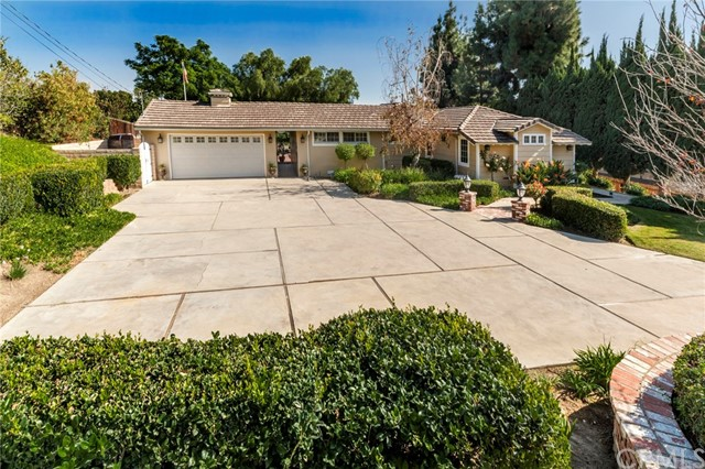Single Family Home for Sale at 2114 Moody Avenue N Fullerton, California 92831 United States