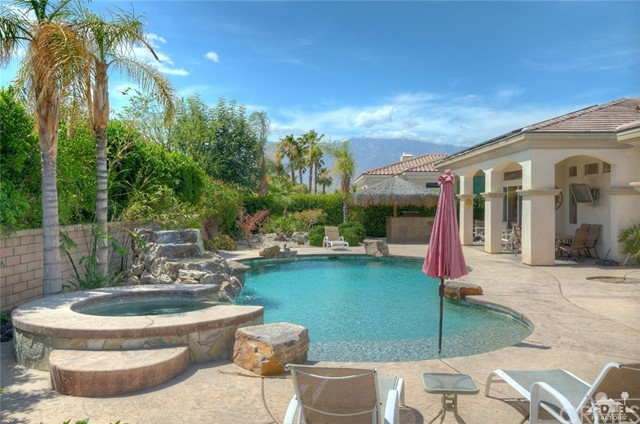 21 Toscana Way, Rancho Mirage CA: http://media.crmls.org/medias/b0417705-40b6-4c7f-ae09-ac229b97a51c.jpg