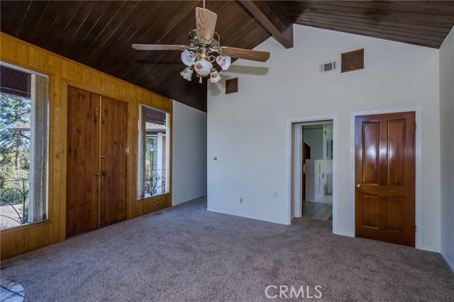 570 Raymond Avenue, Santa Maria CA: http://media.crmls.org/medias/b04280b1-f2d8-4c1d-a074-fcc71001ec8c.jpg