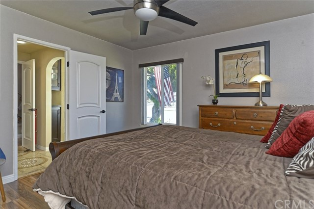 332 Buttonwood Drive, Brea CA: http://media.crmls.org/medias/b042b375-409a-41fc-bc1c-8a431528b918.jpg