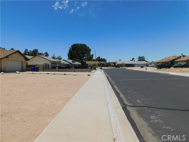 14379 La Habra Road, Victorville CA: http://media.crmls.org/medias/b04477da-206f-43b0-99bb-cfb679c89f95.jpg
