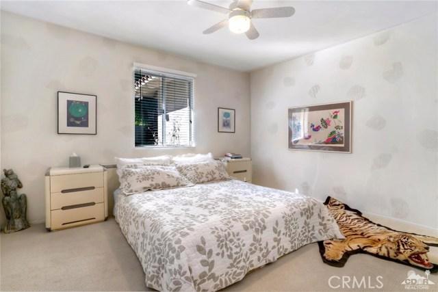 54015 Southern Hills, La Quinta CA: http://media.crmls.org/medias/b04e653c-e054-42d5-9938-258fe209d7f7.jpg