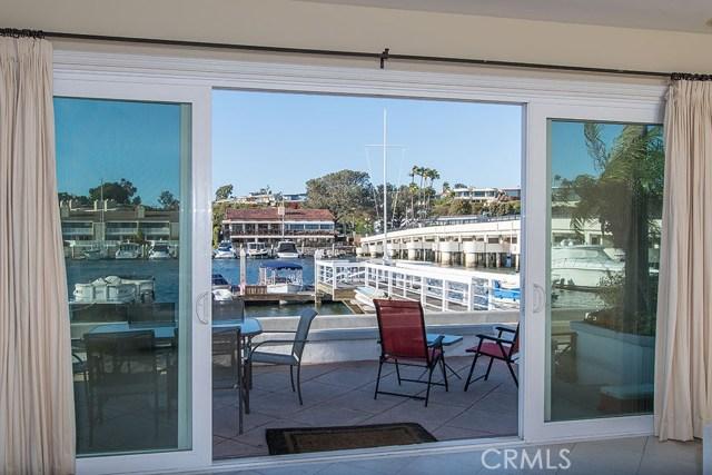 1305 N Bay Front, Newport Beach CA: http://media.crmls.org/medias/b0520c5c-4897-4299-8450-68f7a36b709c.jpg