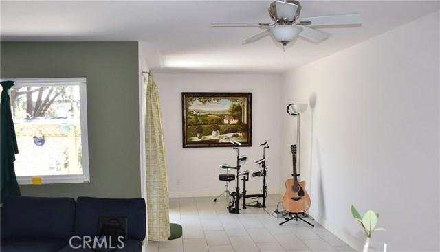 809 N Spurgeon Street, Santa Ana CA: http://media.crmls.org/medias/b055cb18-a26f-4974-969f-559c01b631f7.jpg