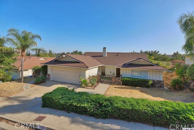 17622 Arvida Drive, Granada Hills CA: http://media.crmls.org/medias/b05b37ea-1a3d-4885-add6-5f2f8b6a8b0e.jpg