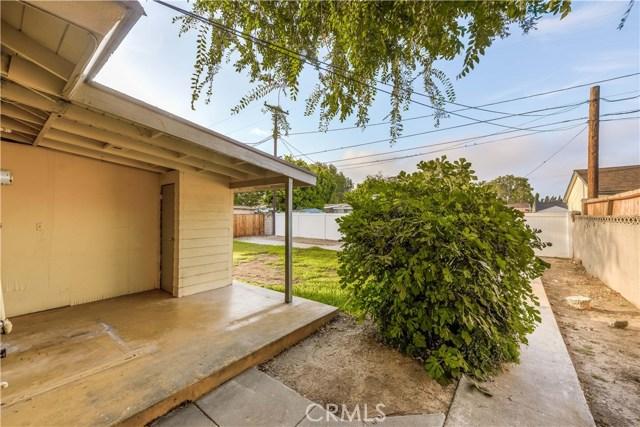 918 Virginia Avenue, Santa Ana CA: http://media.crmls.org/medias/b05f7068-8669-4064-a111-2d3494493158.jpg