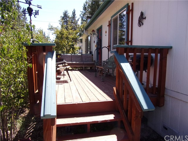 801 W Country Club Boulevard, Big Bear CA: http://media.crmls.org/medias/b061494f-b5f2-4253-bbef-40c61a2b0b84.jpg