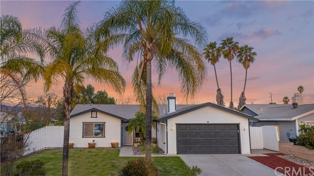 Detail Gallery Image 1 of 1 For 668 Wanda Ct, Escondido,  CA 92026 - 3 Beds | 2 Baths