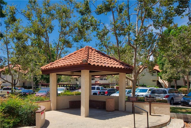 8319 Vineyard Avenue, Rancho Cucamonga CA: http://media.crmls.org/medias/b07811b4-75f3-4c8c-9bc0-6f608ec3bf93.jpg