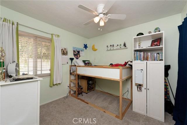15450 Rolling Ridge Drive, Chino Hills CA: http://media.crmls.org/medias/b07d4526-fea0-4e6f-8019-d6ae7ce6db0e.jpg