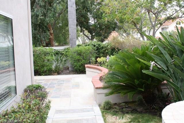 20 Del Azul, Irvine CA: http://media.crmls.org/medias/b07def25-eb92-446d-aad9-cd7790b668d7.jpg