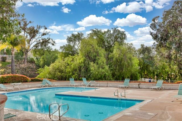 13194 Spire Circle, Chino Hills CA: http://media.crmls.org/medias/b0806ace-0866-4e18-9fb6-d5af95a9a51e.jpg