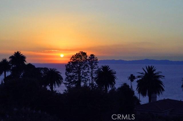904 Via Nogales, Palos Verdes Estates CA: http://media.crmls.org/medias/b081b61f-18a3-4915-af14-4646df57224d.jpg