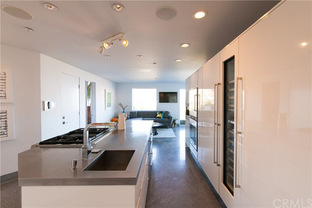1500 Viewsite Ter, Los Angeles, CA 90069 Photo 16