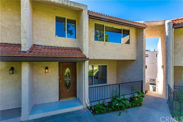 Townhouse for Sale at 7758 Via Rosa Maria Sun Valley, California 91504 United States