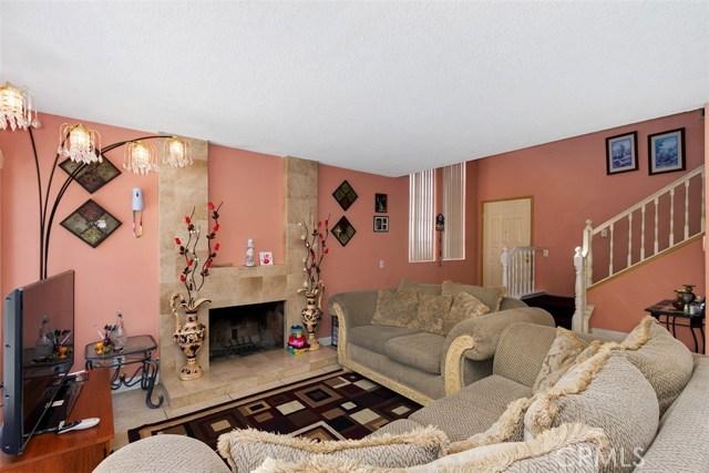 23476 Woodlander Way, Moreno Valley CA: http://media.crmls.org/medias/b092d1cb-bbae-4fb5-b5ae-064df92dd1f5.jpg
