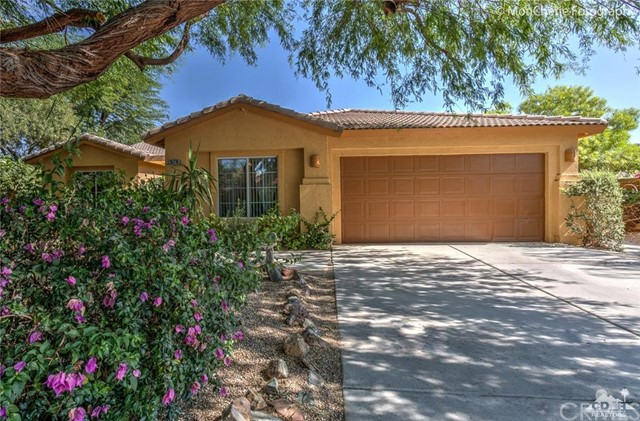 79770 America Court La Quinta, CA 92253 is listed for sale as MLS Listing 216025912DA