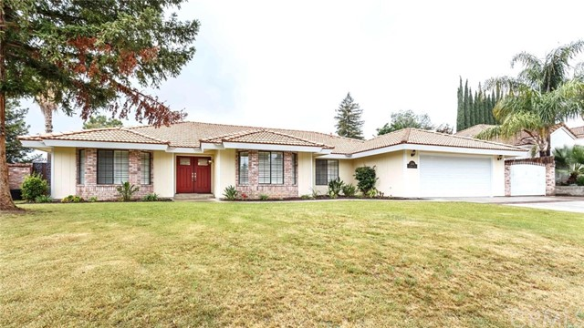 Single Family Home for Sale at 3104 Flintridge Drive Bakersfield, California 93306 United States