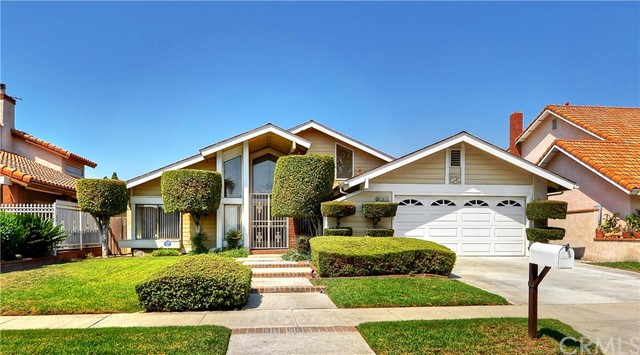 Single Family Home for Sale at 12113 Loya River Fountain Valley, California 92708 United States