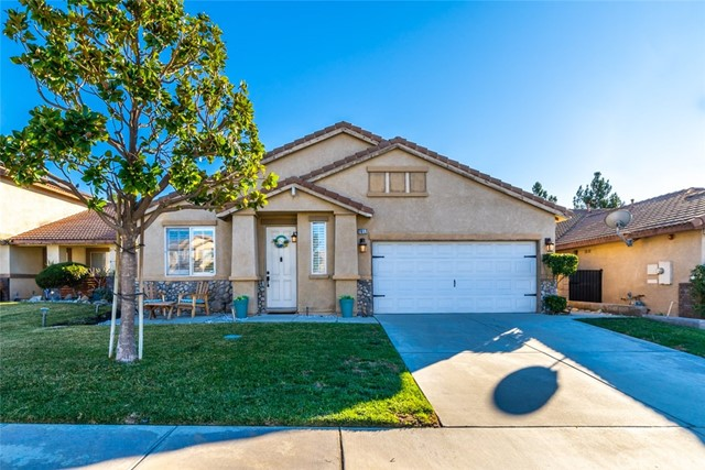 Detail Gallery Image 1 of 1 For 7617 Newberry Ln, Fontana,  CA 92336 - 3 Beds | 2 Baths