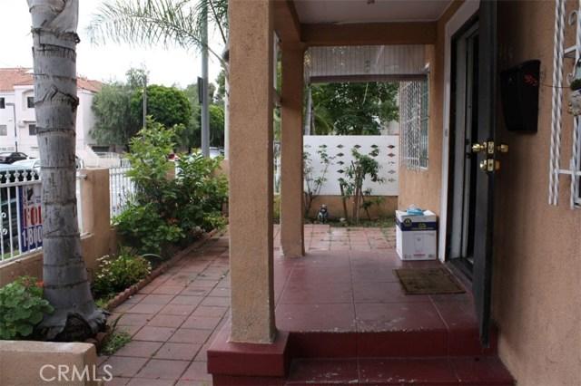 6115 Rugby Avenue, Los Angeles CA: http://media.crmls.org/medias/b0e54f16-dc6c-4b3e-9b1c-a1b8705ca942.jpg