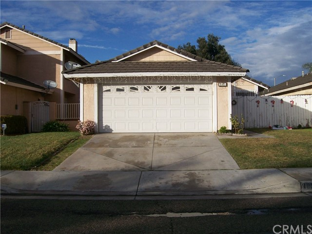 1989 Cluster Pine Rd, Colton, CA 92324 Photo