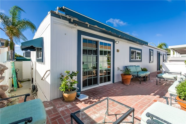 279 Cambridge Way, Newport Beach CA: http://media.crmls.org/medias/b0e723e4-588f-47bf-ae0c-703b9b0dc88f.jpg