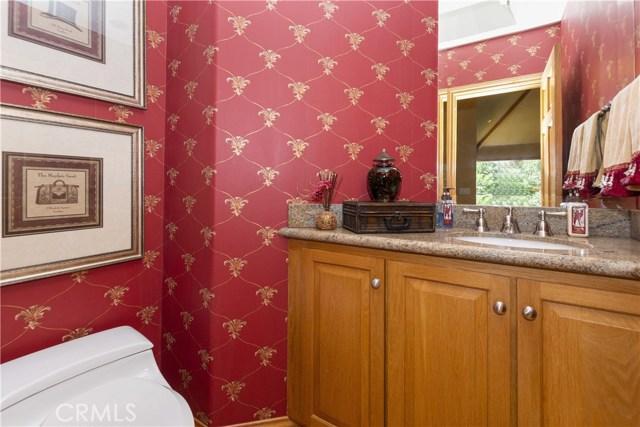 27537 W Shore Road, Lake Arrowhead CA: http://media.crmls.org/medias/b0f92909-6b7d-435b-9d0b-17fcabf5f637.jpg