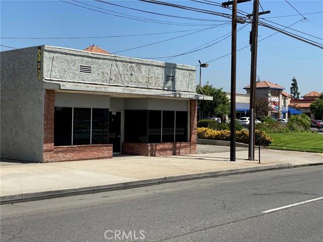 16826 Foothill Boulevard, Fontana CA: http://media.crmls.org/medias/b103beb6-02e2-4543-b98c-3f38f6f79973.jpg