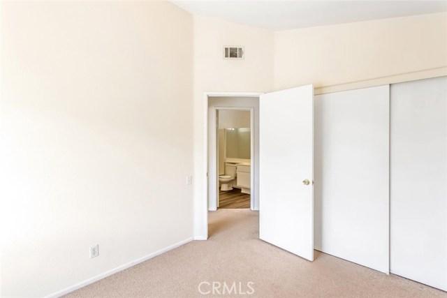 7830 Morningside Lane, Highland CA: http://media.crmls.org/medias/b10582e3-01cb-4cef-bfaa-342b3d67e573.jpg