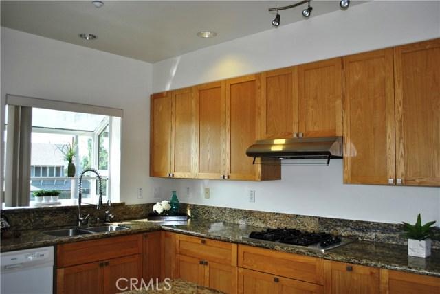 228 S Olive Avenue, Alhambra CA: http://media.crmls.org/medias/b10cb535-5748-46eb-b394-38261b900024.jpg