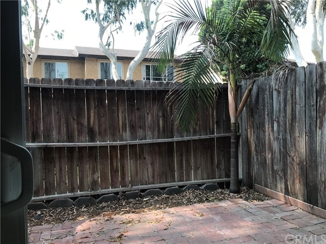 7431 Shadyglade Avenue, North Hollywood CA: http://media.crmls.org/medias/b118f8f0-e7e4-49ae-a1bf-7460864467a1.jpg