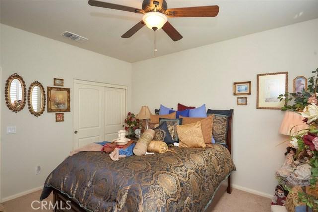 11457 Mint Street, Apple Valley CA: http://media.crmls.org/medias/b11cad9d-36fc-4dc7-bd88-adb32931ee4f.jpg