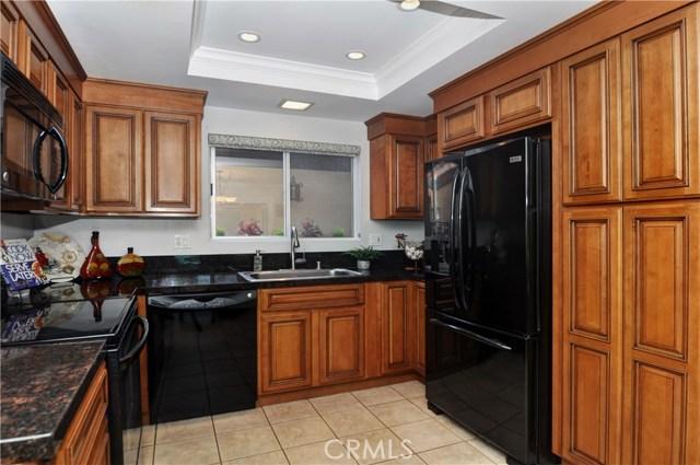 3024 Club House Circle, Costa Mesa CA: http://media.crmls.org/medias/b121df70-5f8d-4bf2-91a2-42b5c6a55175.jpg