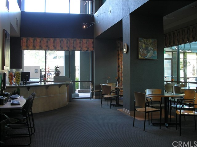 9120 Larkspur Drive, Corona CA: http://media.crmls.org/medias/b12c3103-1f0b-4dbf-8a8e-3bc263b7bb8a.jpg